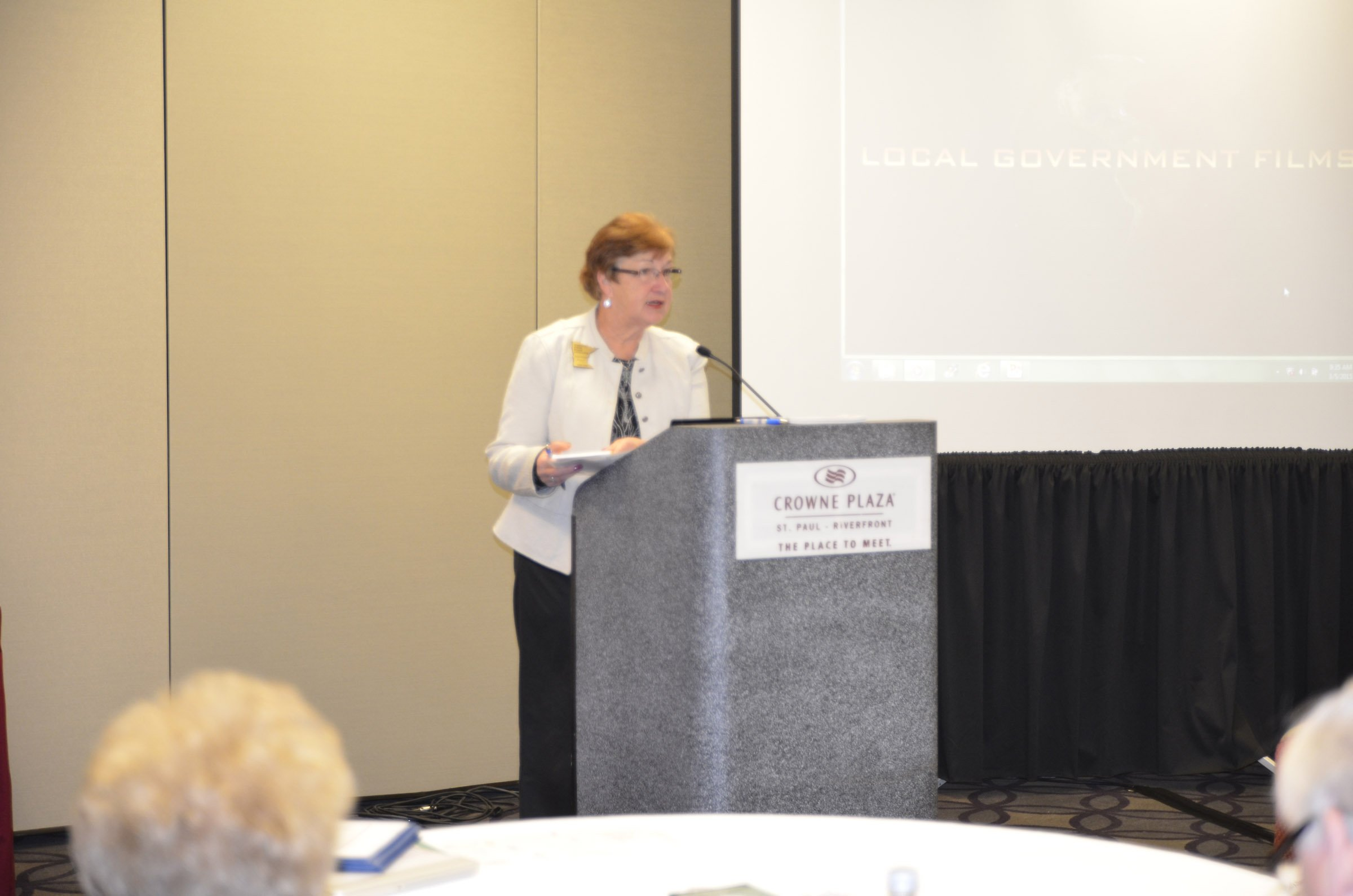 MSBA Board Director Deb Pauly (Jordan) tells members about discussing school lunch and nutrition issues with federal legislators during her recent advocacy trip to Washington, D.C.