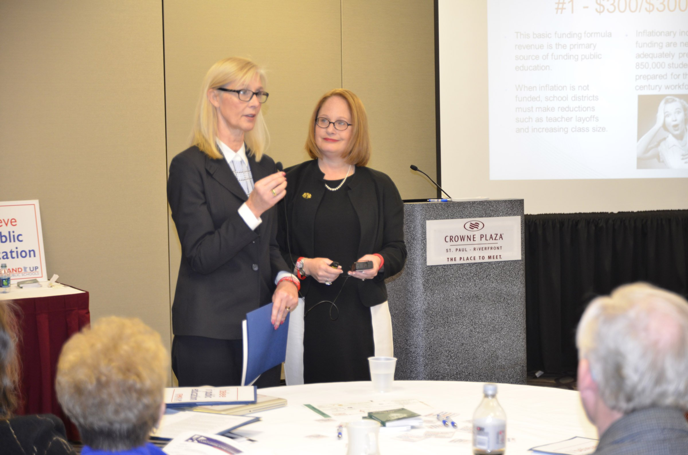 MSBA lobbyists Denise Dittrich (left) and Grace Keliher updated members on key issues during a breakout session. Visit https://www.mnmsba.org/Portals/0/PDFs/Advocacy/JLC-2015-MSBA-Breakout.pdf to view a copy of this presentation.